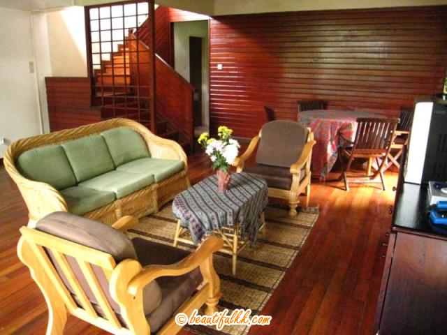 Living Room (Nepenthes Lodge)