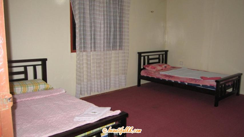 Spacious Room A with Twin Beds