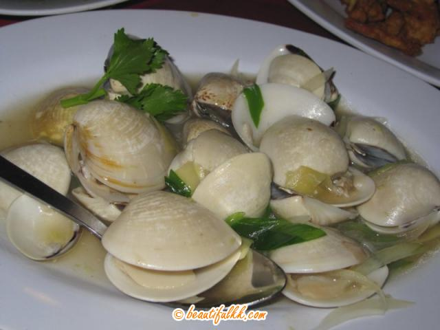 Steamed White Clam With Ginger